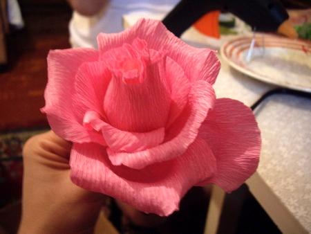Розы своими руками из бумаги с конфетами